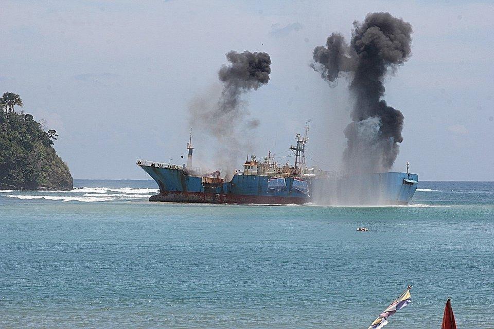 17 kapal natuna