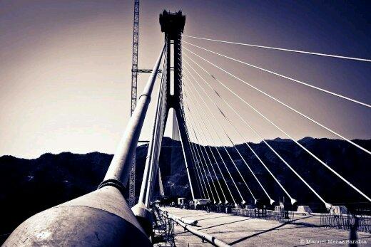 Jembatan tertinggi : Baluarte Suspension Bridge