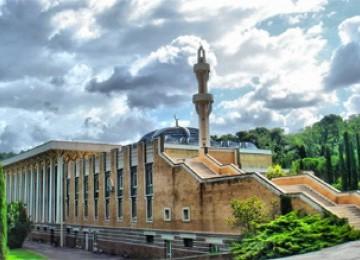 Masjid megah di kota Roma