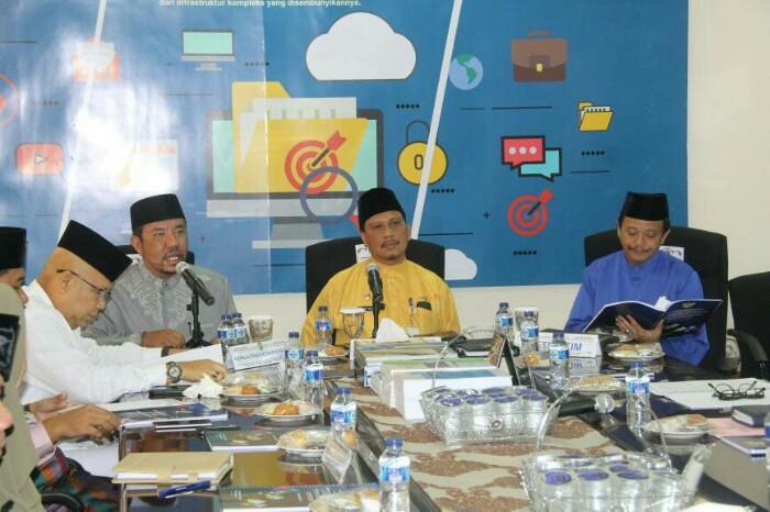 Sekretaris Daerah Provinsi Kepri H. TS. Arif Fadillah membuka dan memimpin rapat tim percepatan implementasi e-government Provinsi Kepri