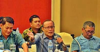 Wakil Ketua I DPRD Lingga, Kamarudin Ali SH di sebuah forum diskusi menyampaikan kekecewaannya terkait Lingga yang tidak masuk dalam tataruang pertambangan Kepri. Net