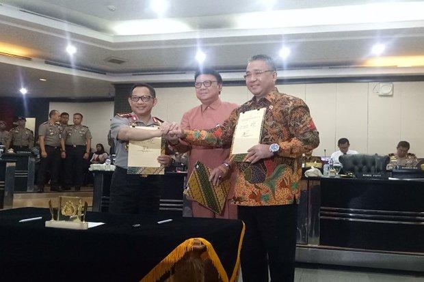 Kepala Kepolisian Republik Indonesia (Kapolri) Jendral Tito Karnavian menyepakati nota kesepahaman pencegahan pengawasan dan penanganan dana desa. Nota kesepahaman (MoU) itu disepakati bersama Menteri Desa Pembangunan Daerah Tertinggal dan Transmigrasi Eko Putro Sandjojo
