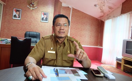 Kepala Dinas Pemberdayan Masyarakat Desa, Kependudukan dan Catatan Sipil (DPMDKCS) Provinsi Kepri, Sardison. (Foto: Ismail/batamtoday.com)